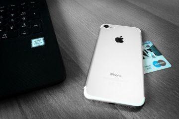 PC, Smartphone und EC-Karte, Symbolbild