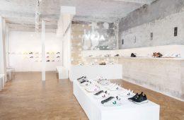 Blick in den nachhaltigen Veja Store in Paris