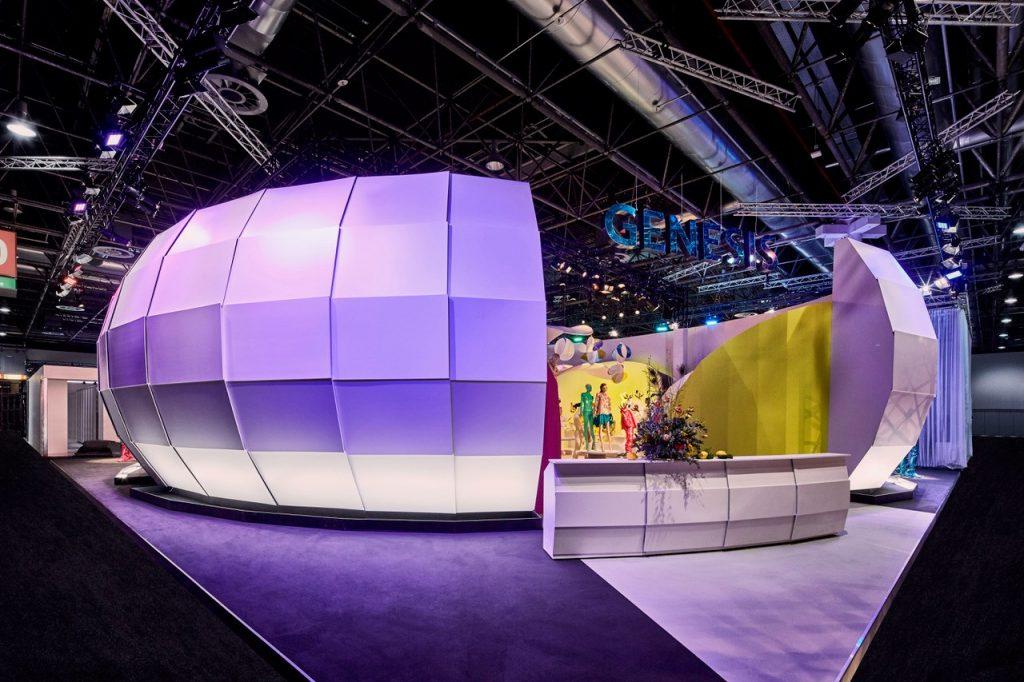 Außenansicht des Genesis Messestands auf der EuroShop 2020 in Düsseldorf